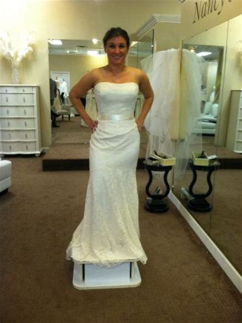 Large breasts and wedding dresses