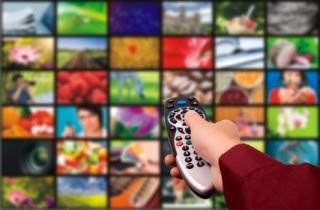 TVScreens-Remote-iStock_000014219561XSmall.JPG