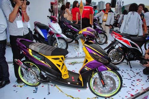 Modifikasi Sepeda Motor Yamaha Mio J Warna Hitam Galeri Gambar Foto
