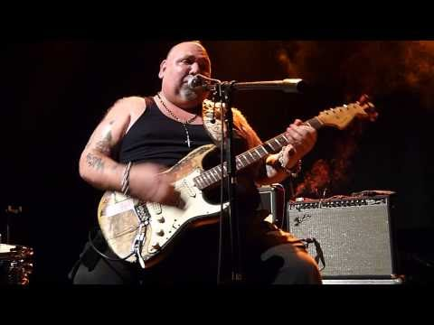 Popa chubby stealing the devils guitar, cam girl hot