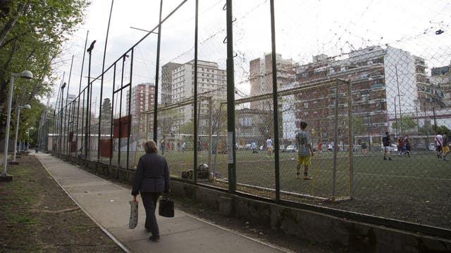 Villa Urquiza. Las canchas de fútbol de alquiler sobre Roosevelt entre Triunvirato y Bucarelli, donde también se podrán construir viviendas, oficinas y locales comerciales