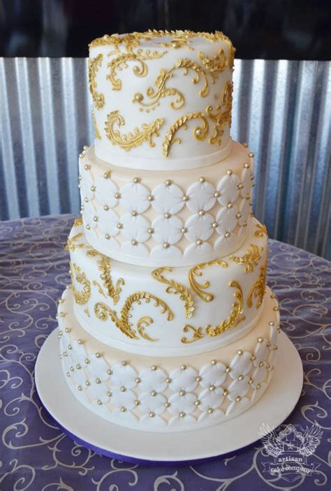 17  images about Gold Wedding Cakes on Pinterest
