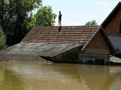 Βοσνία-Ερζεγοβίνη: 7.500 σπίτια κατέρρευσαν από τις πλημμύρες