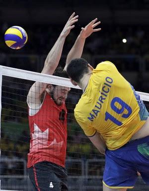 vôlei, Brasil x canadá, maurício (Foto: AP Photo / Jeff Roberson)