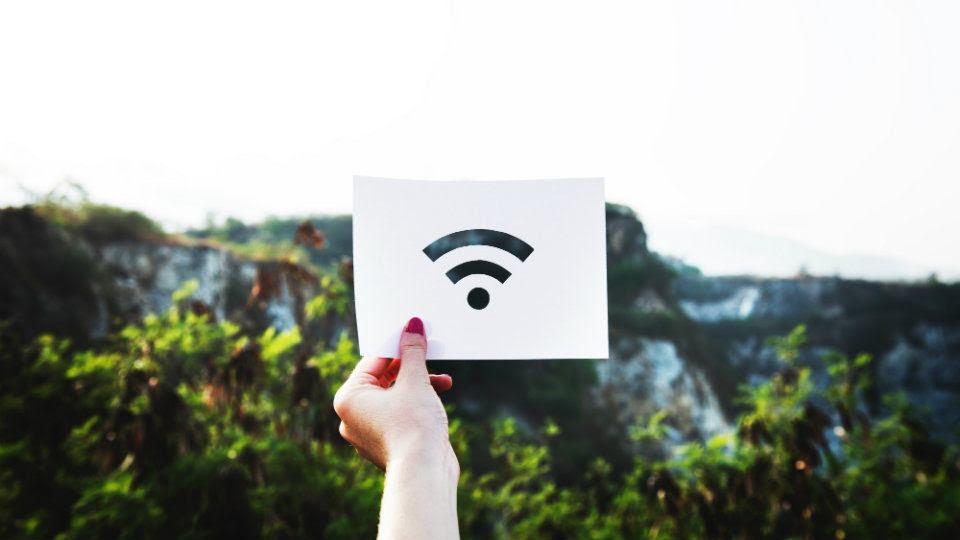 Έρχεται το internet στα ΜΜΜ: 900.000 ευρώ για Wi-Fi σε λεωφορεία, τρόλεϊ και τραμ