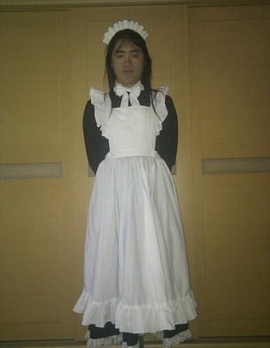 chris 穿 長版 女僕服
