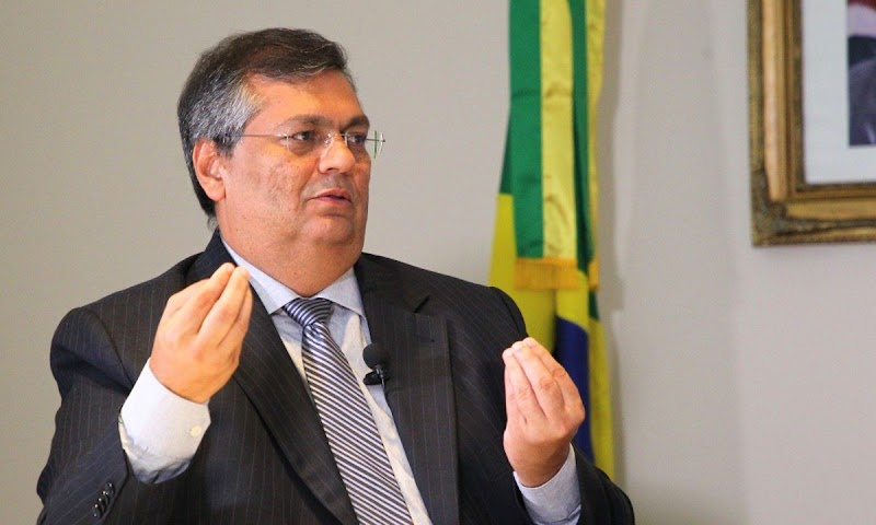 Flávio Dino afasta coronel que permitiu que o filho dirigisse veículo da PM sem identificação
