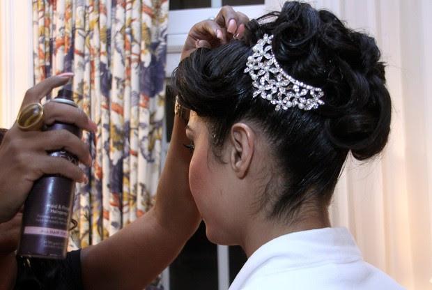 Gracyanne Barbosa se arruma para o casamento (Foto: Daniel Pinheiro / R2 / Divulgação)