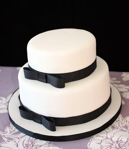 Top Simple White Wedding Cakes Photos