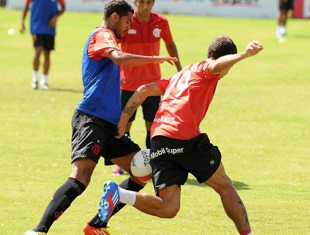 Romulo treino Flamengo (Foto: Thales Soares / Globoesporte.com)