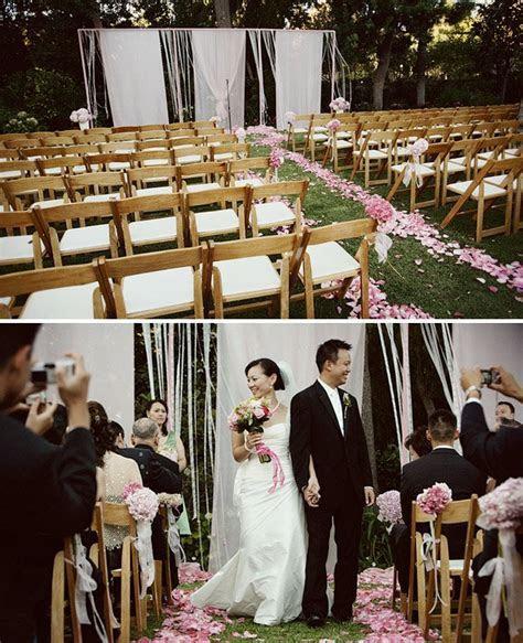 How to Throw a Backyard Wedding: Decor   Green Wedding