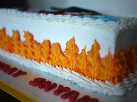 Leaf tip for flames, firefighter cake (Piping)   Piping