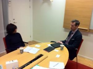 Cavidis Vd John Reisky de Dubnic blir intervjuad av Sanchita Sharma från Hindustani Times
