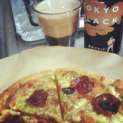 tastes waaay better than barium : #dinner pizza & tokyo black (porter) #japan