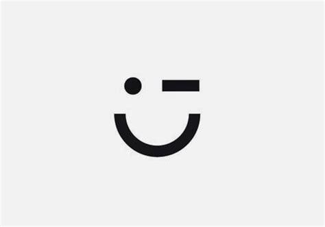 sungging senyum  desain logo perusahaan whizisme