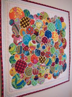 Love this circle quilt, although the tutorial is no longer available on the original website.