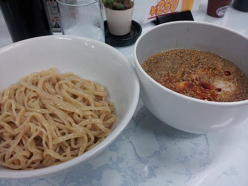 次郎系の店にあったつけ麺 by GOONTIC