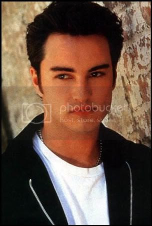 Kerr Smith [click to enlarge]