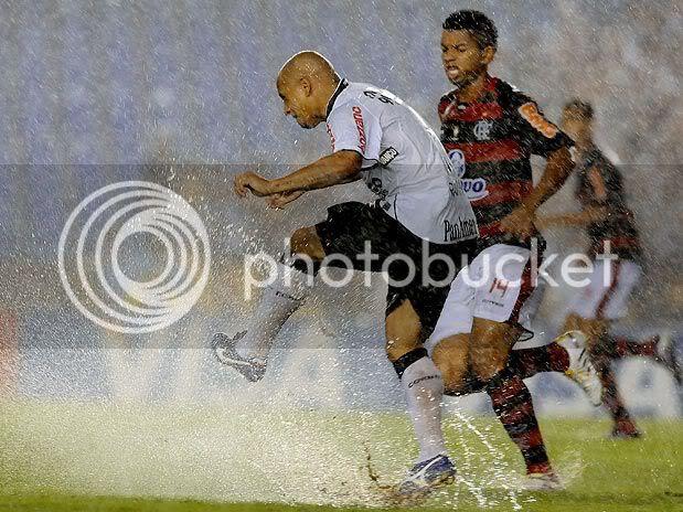 Gramado atrapalhou Flamengo e Corinthians