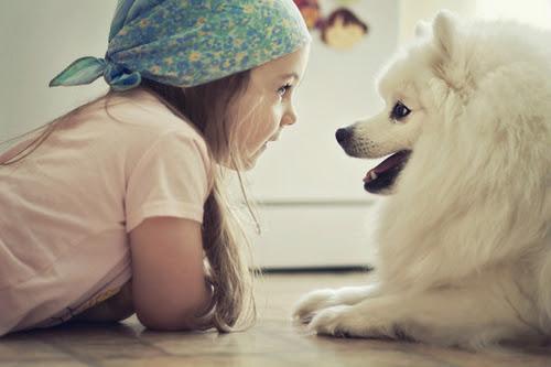 Menininha-fofa-cachorro_large