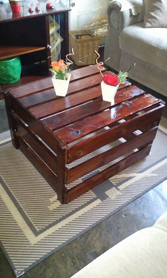 Coffee Table Made with Pallets Wood | Pallet Ideas
