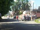Policiais são baleados e uma mulher é feita refém na base da PM de Biritiba