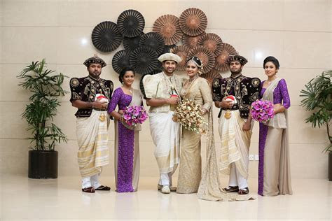 kandyan Bridal Group Picture   the wedding flowers gallery