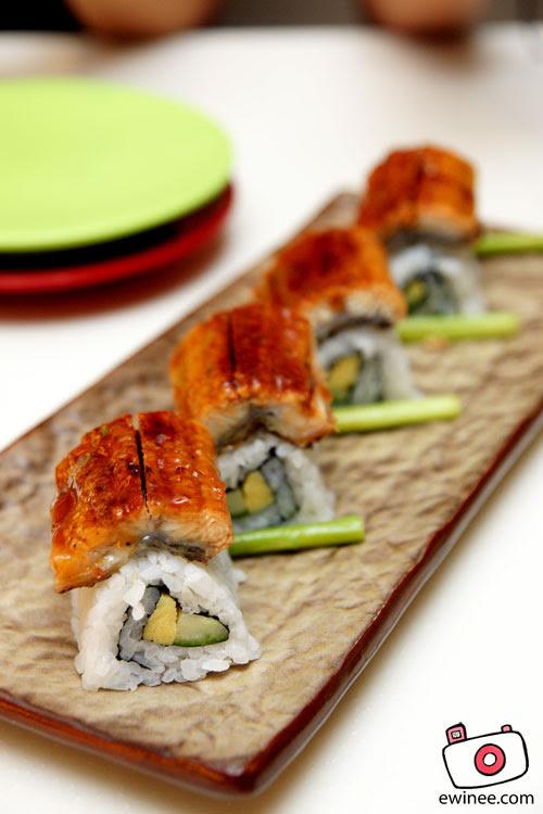 Sakae-Unagi-Sushi