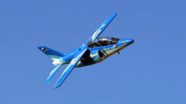 El IA 63 Pampa III realizó su primer vuelo de ensayo