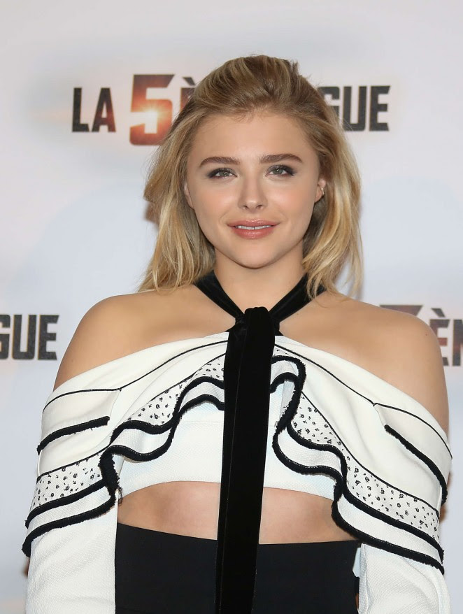 Chloe Moretz: The 5th wave Photocall -04