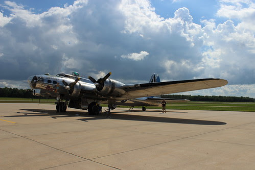 IMG_0616_B17_at_Dekalb_Airport