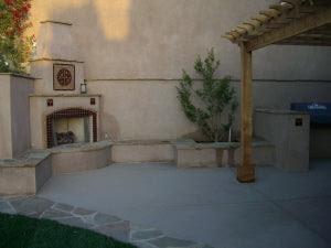 High Walls Create an Outdoor Living Room