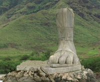 Lost - The Island's Mysterious Four Toed Statue