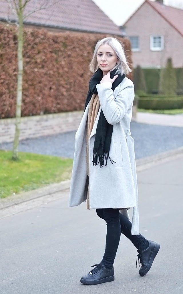 how to wear, Winter outfit, layers, fashion blogger, belgium, belgie, mode blogger, nike sneakers, nike air force one, nike air force black, wool coat, grey coat, camel coat, camel cardigan, topshop scarf, acne canada scarf, fringe scarf, super soft, crocodile bag, street style, inspiration, fashion, trends 2015