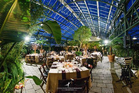 find  unique  traditional wedding venue