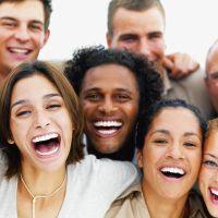 Resultado de imagen de imagenes gente riendo
