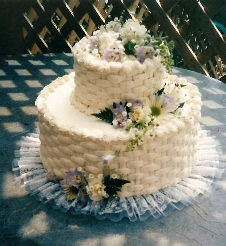 A small basket weave cake for an anniversary celebration