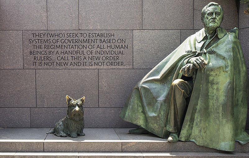 http://upload.wikimedia.org/wikipedia/commons/thumb/8/8a/Washington_D.C._-_Franklin_Delano_Roosevelt_Memorial_0029.jpg/800px-Washington_D.C._-_Franklin_Delano_Roosevelt_Memorial_0029.jpg