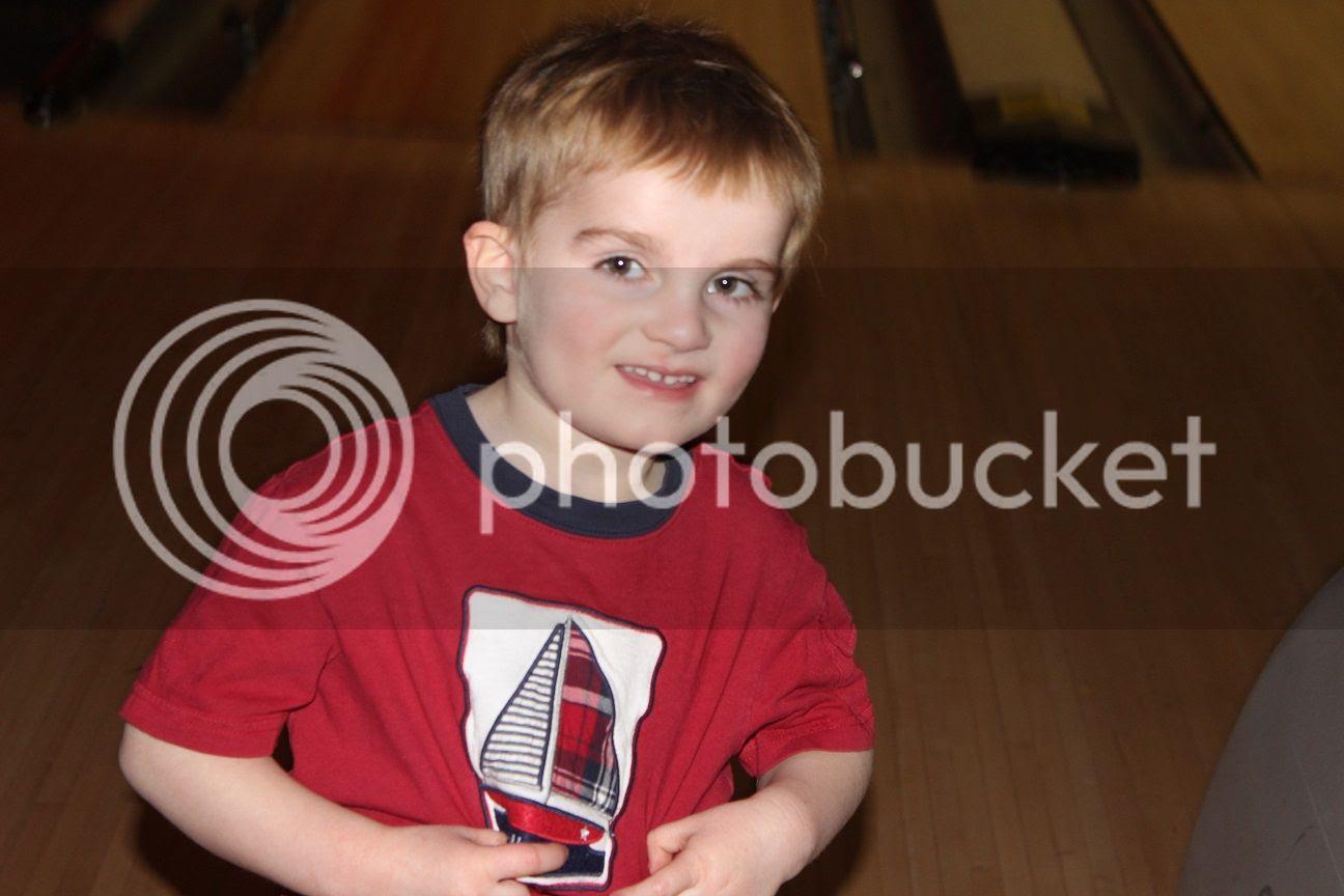 photo bowling10_zps7ryndnc1.jpg
