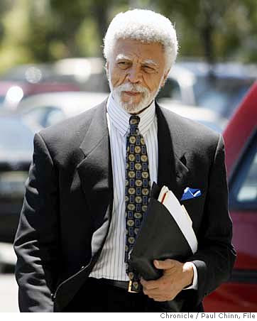 Oakland Mayor Ron Dellums makes history in avoiding reelection run