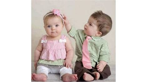 bikin gemash  potret penampilan lucu bayik kembar