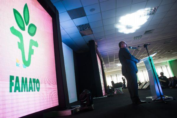 'Recheado' de convites para mudar de partido, Taques recebe Carlos Lupi  e avalia cenário