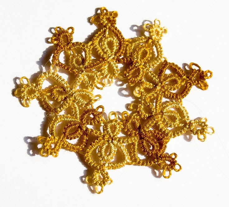 Drop of Amber: More frivolite/needle tatting