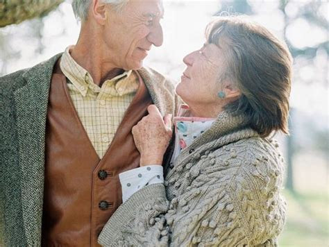 Best 25  Old couple photography ideas that you will like