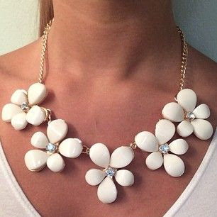 White Flower Statement Necklace #jewlery