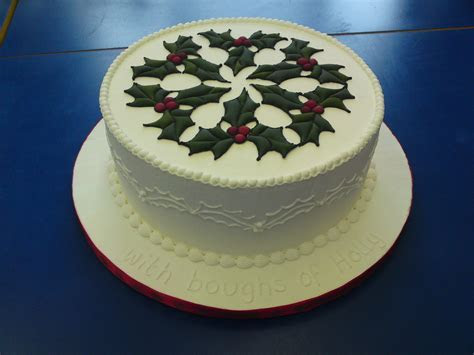 Holly Christmas Cake is finished!   The Dorset Cake Artist