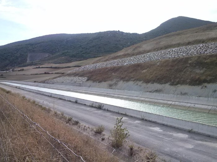 Foto de Pamplona.Ezperun.Canal de Navarra