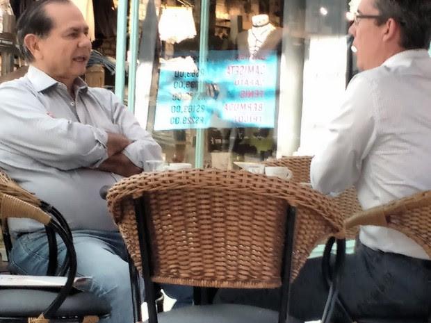 Cícero Gomes (PMDB) se encontra em café com o empresário Marcelo Plastino (Foto: Reprodução/EPTV)