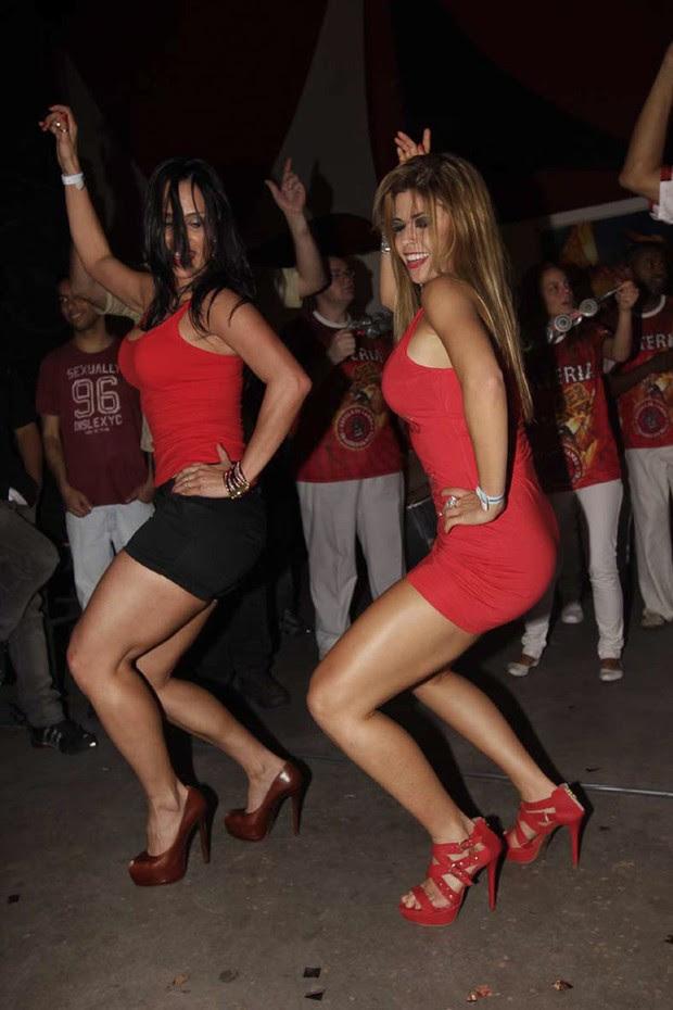 Kelly e Cacau na Dragões da Real (Foto: Leonardo Franco/Photorio News)