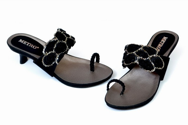 Girls-Womens-Beautiful-Casual-High-Shoes-Eid-Footwear-Collection-2013-by-Metro-Shoes-1